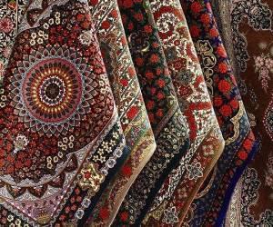 اختصاص تسهیلات لازم جهت رونق و افزایش تولید فرش دستباف استان فارس
