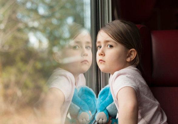 چگونه پدر و مادر از فرزند در برابر آسیب به خود محافظت کنند؟