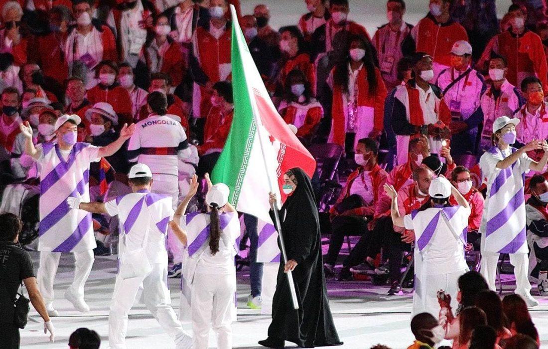 بانوی شیرازی به عنوان نمادی از زن مسلمان در اختتامیه پارالمپیک درخشید